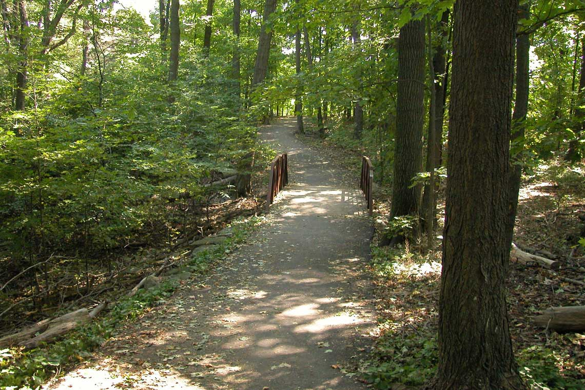 <p>Oakville has over 200 kilometres of trails</p>